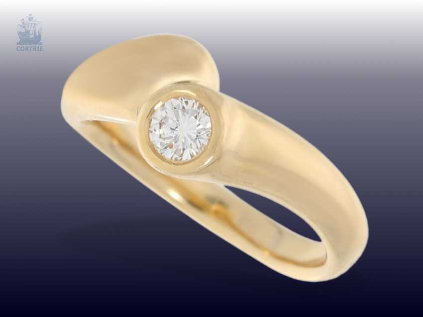 Ring: modern diamond/solitaire-gold forged ring, approx 0,35 ct - photo 1