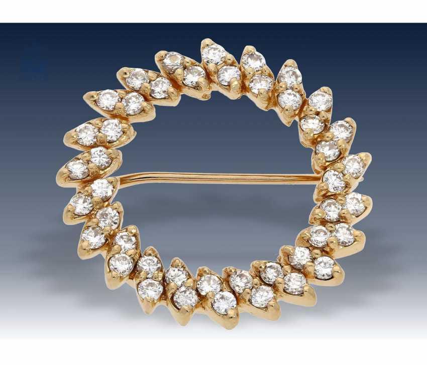 Brooch: gold, petite vintage diamond brooch, approx 0,88 ct - photo 1