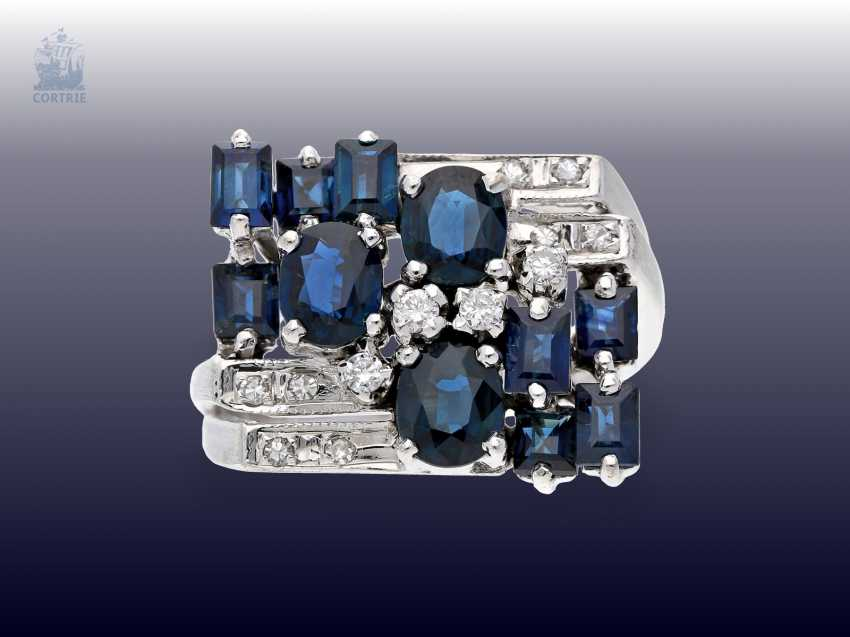 Ring: white gold, fancy carved vintage Designer gold wrought ring with sapphire and diamonds - photo 1