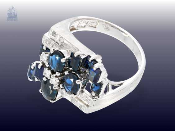 Ring: white gold, fancy carved vintage Designer gold wrought ring with sapphire and diamonds - photo 2