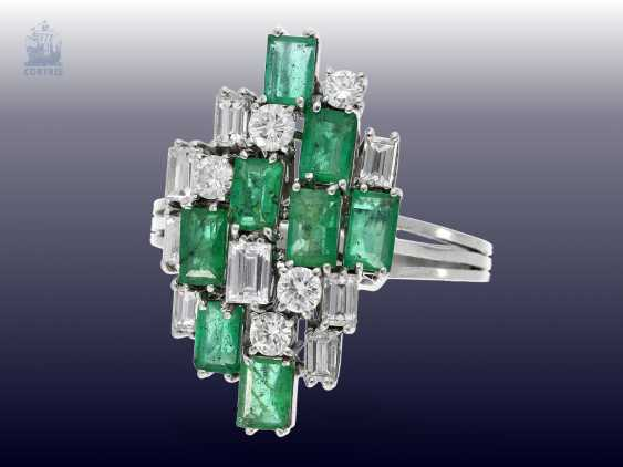 Ring: formerly expensive and very time-consuming carved vintage emerald/diamond gold forged ring, approximately 2ct, valuation report about 2250€ - photo 1