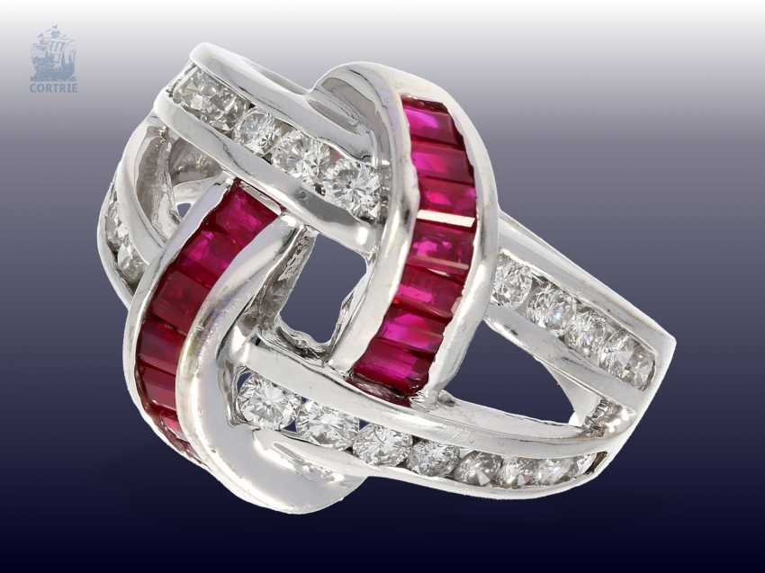 Ring: unusual vintage ruby/brilliant ladies ring, handmade, 18K white gold, approx 1ct diamonds - photo 1