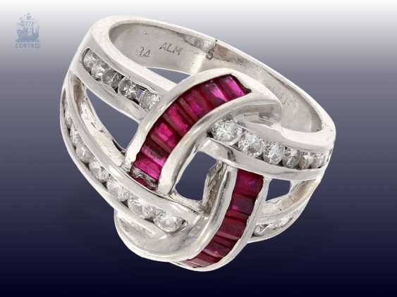 Ring: unusual vintage ruby/brilliant ladies ring, handmade, 18K white gold, approx 1ct diamonds - photo 2