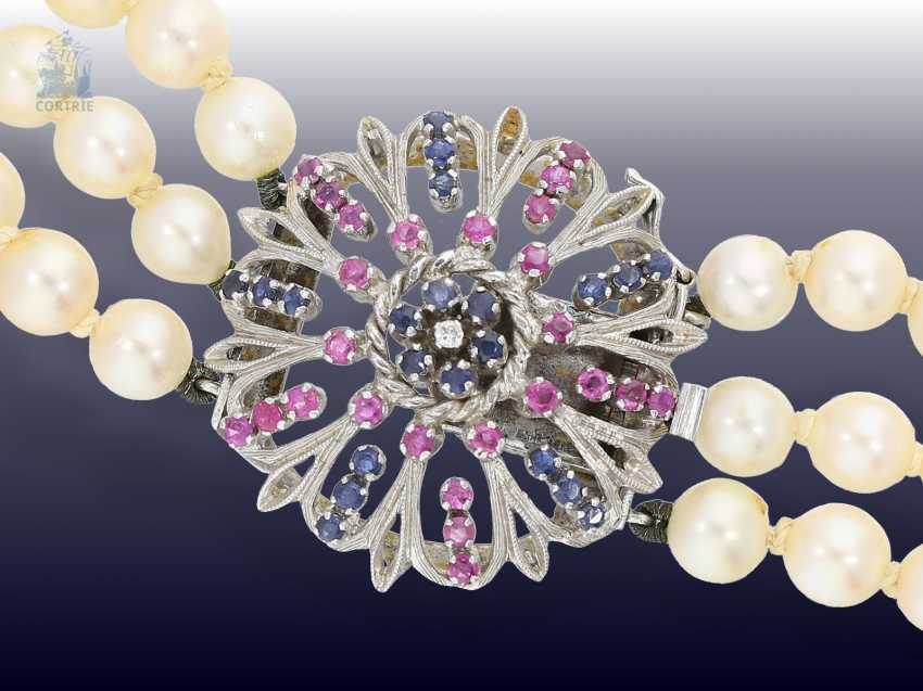 Chain/necklace: exceptional and formerly very expensive 3-row cultured pearl necklace with sapphire/ruby/brilliant-white-buckle gold - photo 1