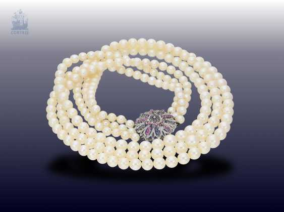 Chain/necklace: exceptional and formerly very expensive 3-row cultured pearl necklace with sapphire/ruby/brilliant-white-buckle gold - photo 2
