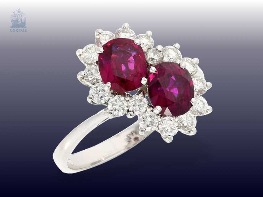 Ring: fine and unusual vintage ruby/brilliant gold wrought ring, handmade, and 0.7 ct brilliant-cut diamonds, approximately 1.6 ct, rubies - photo 1
