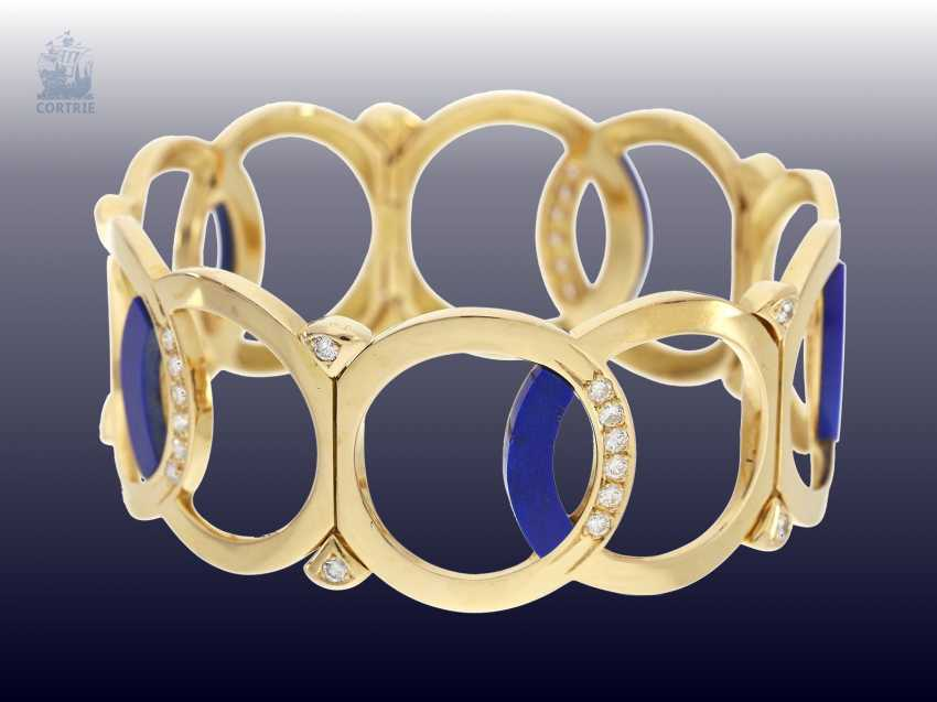Bangle: wide, exceptionally-crafted Designer gold bangle with lapis lazuli and fine brilliant, trimmed, approx. 1,54 ct - photo 2