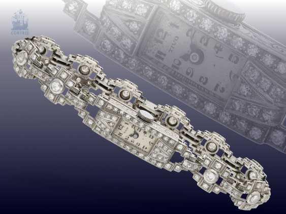 Watch: rare, very beautiful Art Deco ladies watch platinum case and bracelet fully set with diamonds, 1930 - photo 1