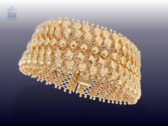 Bracelet: intricately crafted vintage gold Smiths bracelet, CA. 1950 - photo 2