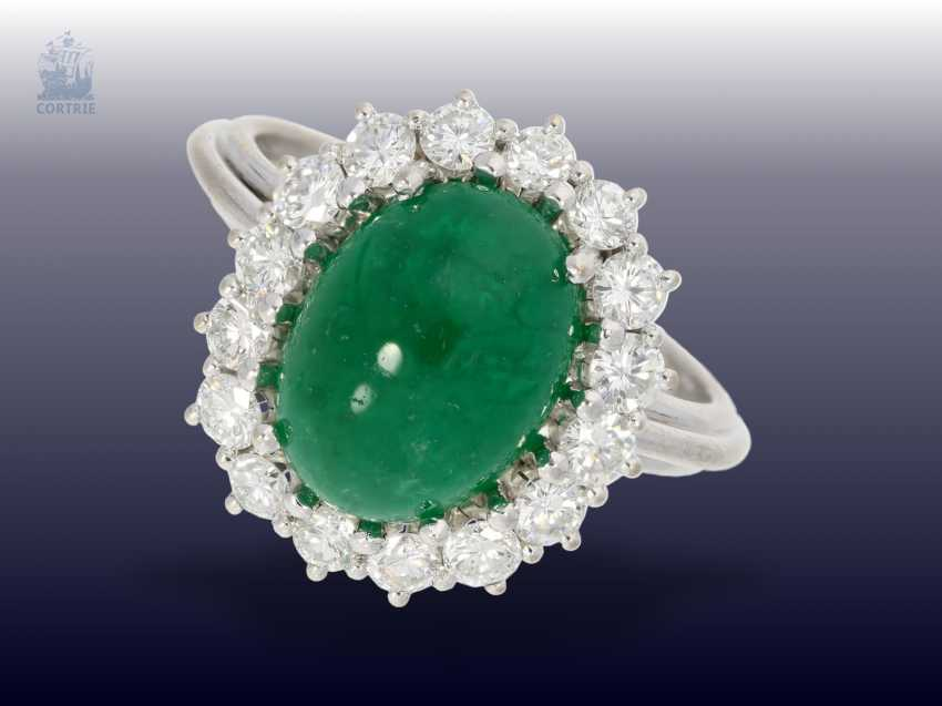 Ring: classic, formerly the more expensive vintage emerald/diamond ring, the emerald approx 3.5 ct fine brilliant-cut diamonds of approximately 1ct - photo 1