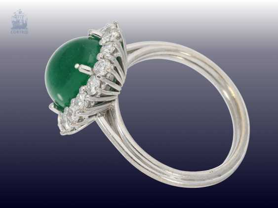 Ring: classic, formerly the more expensive vintage emerald/diamond ring, the emerald approx 3.5 ct fine brilliant-cut diamonds of approximately 1ct - photo 2