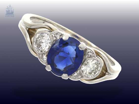 Ring: very beautiful vintage sapphire/brilliant gold wrought ring is very good quality, natural sapphire of approximately 1,3 ct, rare and desired color - photo 1