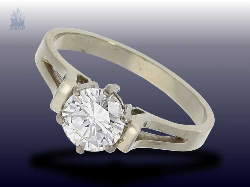 Ring: high-quality, white Golden vintage solitaire diamond ring, approx 1ct - photo 1