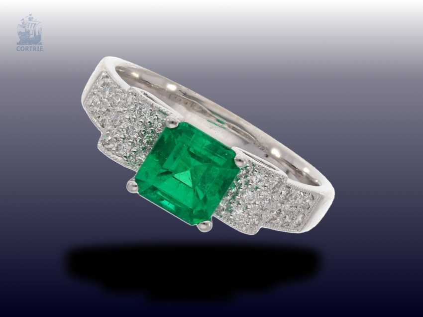 Ring: very nice, vintage emerald/brilliant-wrought gold ring, fine emerald - photo 1