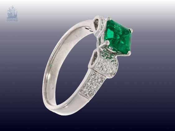 Ring: very nice, vintage emerald/brilliant-wrought gold ring, fine emerald - photo 2
