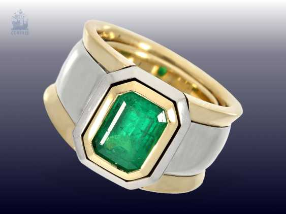 Ring: extremely solid and very heavy vintage emerald gold forged ring, estimated production price of approximately 15.000,- DM - photo 1