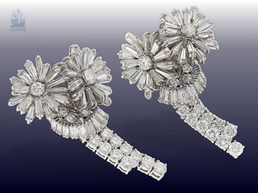 """Earrings: exclusive and extremely high-quality vintage goldsmith work in the """"Diamond Flowers"""" style, handmade, approx. 10ct finest diamonds - photo 2"""