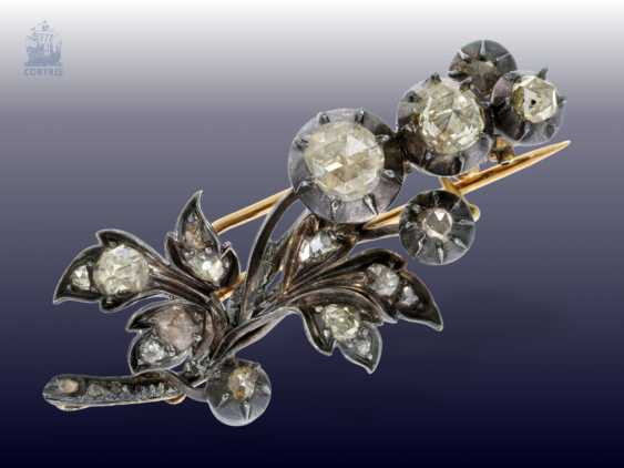Brooch/pendant: fine, antique diamond brooch/pendant with big rose cut diamonds, approx 2ct, approx. 1860 - photo 1