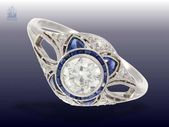 Ring: very beautiful Art Deco sapphire/diamond ring, CA. 1925 - photo 1