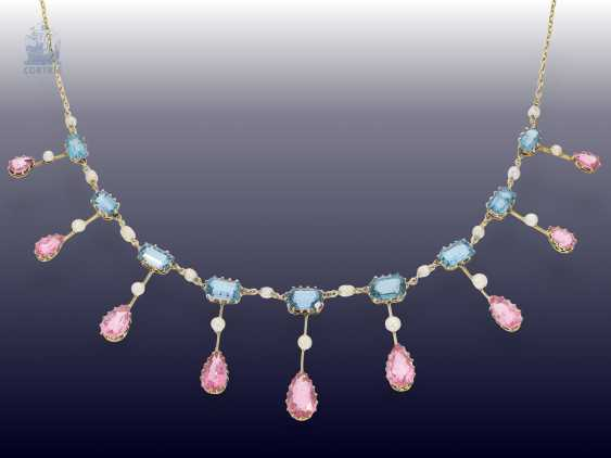 Chain/necklace: extremely fine, antique gold necklace wrought with coloured stones and seed pearls, from the art Nouveau period, Goldsmith & Silversmith Company, the court jeweller, London, CA. 1910 - photo 1
