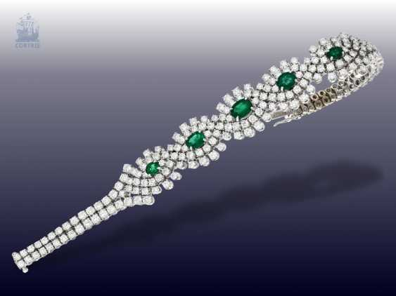 Bracelet: exclusive, and formerly very expensive vintage emerald/brilliant-gold forged bracelet, hand made with ultra-fine diamonds of together CA. 10ct - photo 1