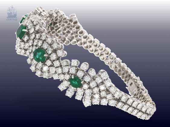 Bracelet: exclusive, and formerly very expensive vintage emerald/brilliant-gold forged bracelet, hand made with ultra-fine diamonds of together CA. 10ct - photo 3