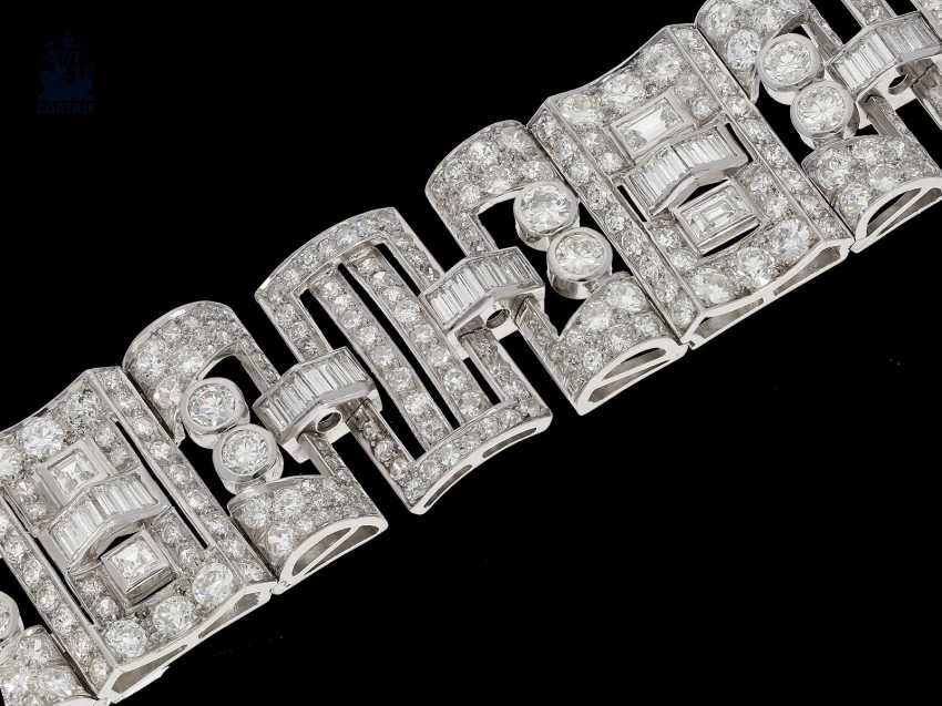 Strap / bracelet: extremely valuable diamond bracelet in platinum, probably from the Art Deco period, CA. 25C - photo 1