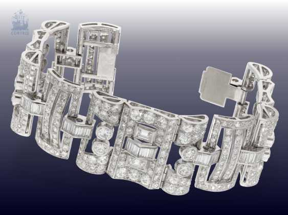 Strap / bracelet: extremely valuable diamond bracelet in platinum, probably from the Art Deco period, CA. 25C - photo 2