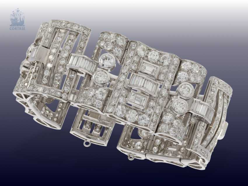 Strap / bracelet: extremely valuable diamond bracelet in platinum, probably from the Art Deco period, CA. 25C - photo 3