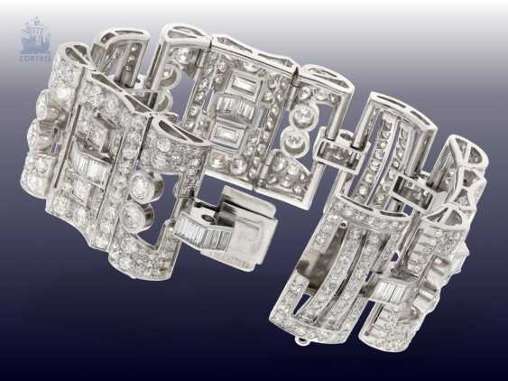 Strap / bracelet: extremely valuable diamond bracelet in platinum, probably from the Art Deco period, CA. 25C - photo 4
