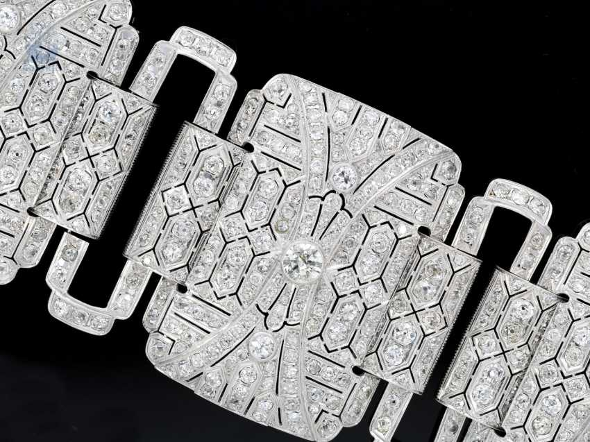 Bracelet: unique , extremely high quality and magnificent platinum bracelet, handmade, approx. 60ct of diamonds, probably from the Art Deco period, a current value appraisal - photo 1