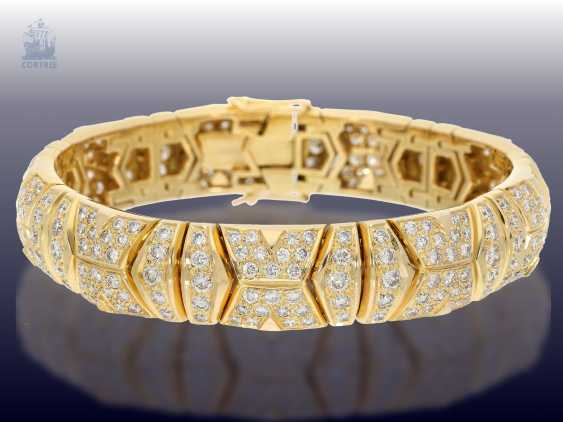 Bracelet: luxurious, formerly very expensive 18K gold members-gold circlet with plenty of brilliant trim. 9,36 ct - photo 1