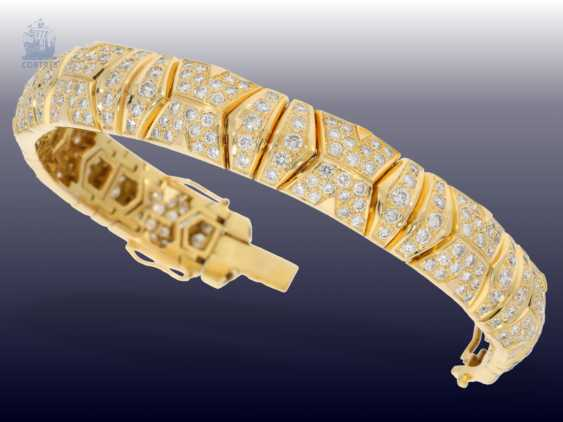 Bracelet: luxurious, formerly very expensive 18K gold members-gold circlet with plenty of brilliant trim. 9,36 ct - photo 2