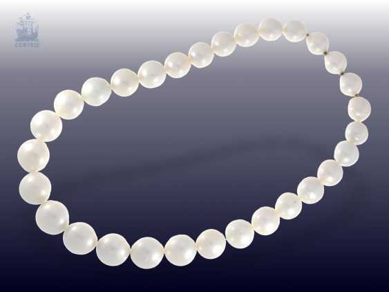 Necklace/Collier: very high quality, like-new cultured South sea clasp pearl necklace with built-in Nittel, NP. 10.000,-€ - photo 2