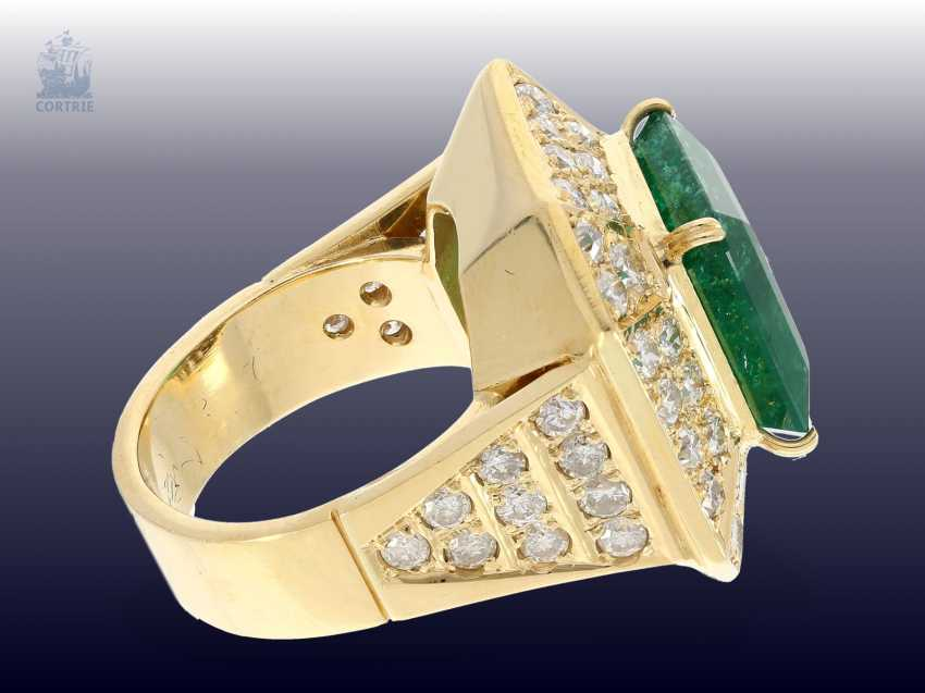 Ring: wide, unique and extremely high quality crafted vintage emerald/brilliant gold wrought ring, emerald approx. 9ct, diamonds approx. 3ct - photo 2