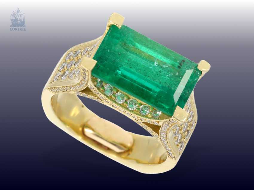 Ring: exclusive, formerly very expensive emerald/brilliant gold wrought ring, a single piece made of 18K Gold, emerald approx. 6ct - photo 2