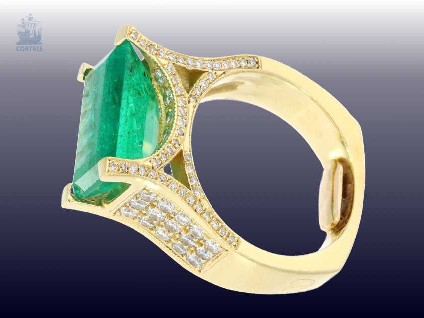 Ring: exclusive, formerly very expensive emerald/brilliant gold wrought ring, a single piece made of 18K Gold, emerald approx. 6ct - photo 3
