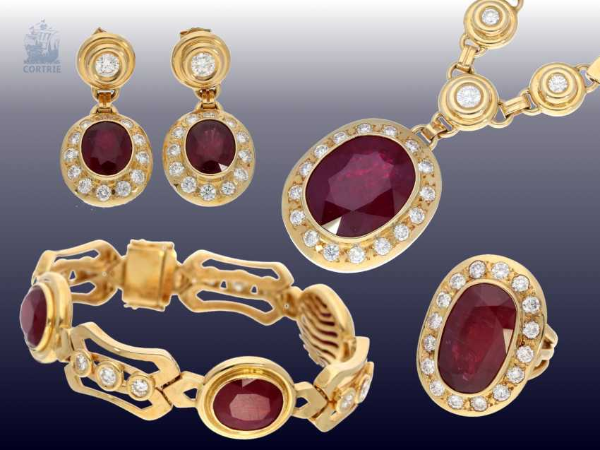 Chain/Ring/earrings/pendant: very high quality jewelry with rubies and brilliant-cut diamonds, a current value opinion for about 50.000€ - photo 1