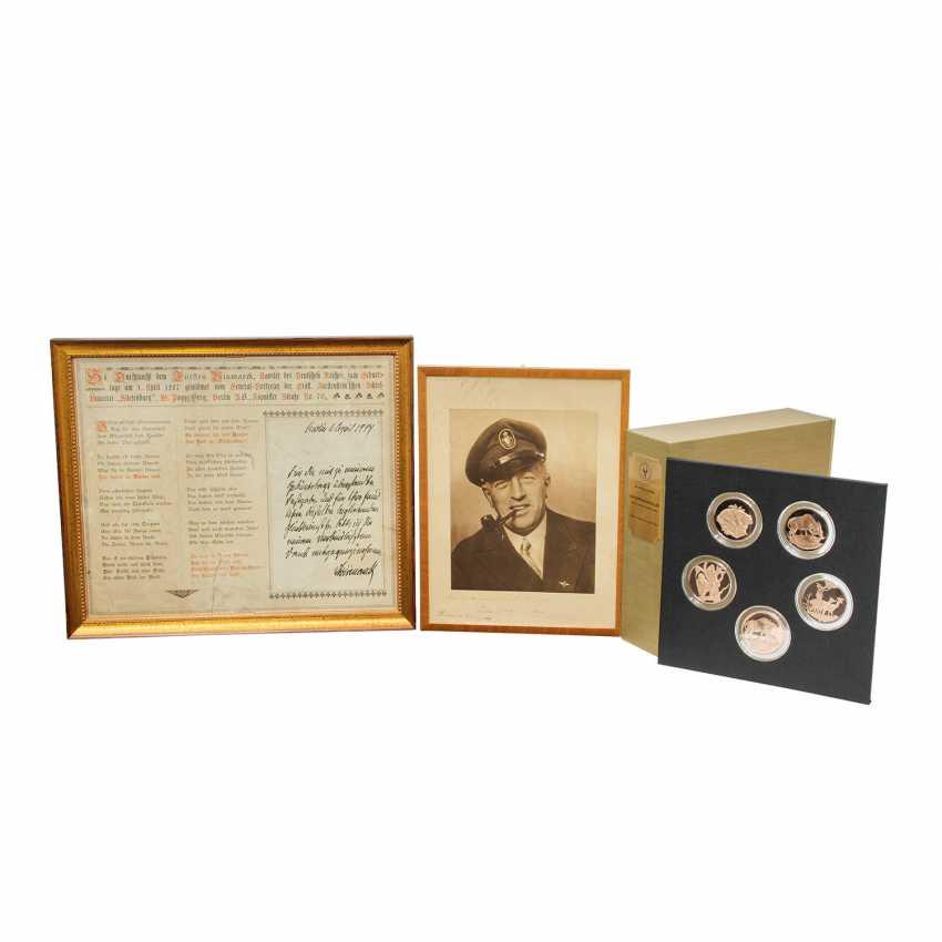Autographs - a naval officer and writer Felix Graf v. Luckner - photo 1