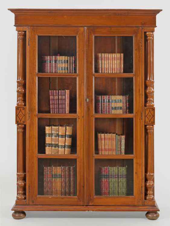 Bookcase from the colonial period - photo 1