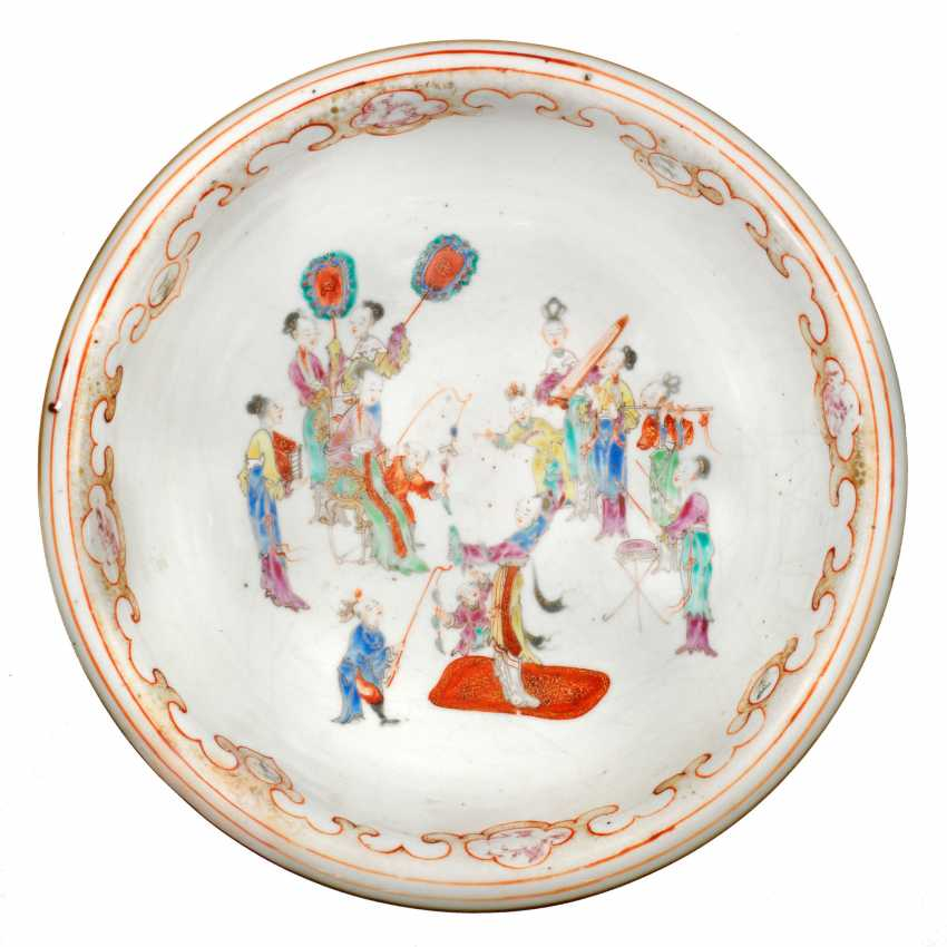 Great Kakiemon bowl with rich figure staffage - photo 1