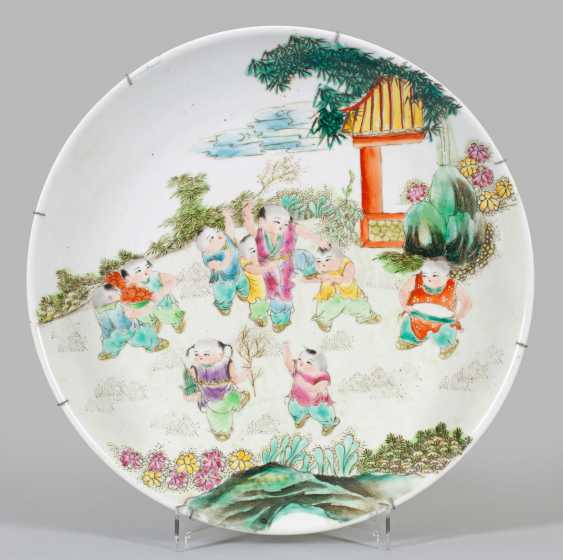 Large Famille-rose plate - photo 1