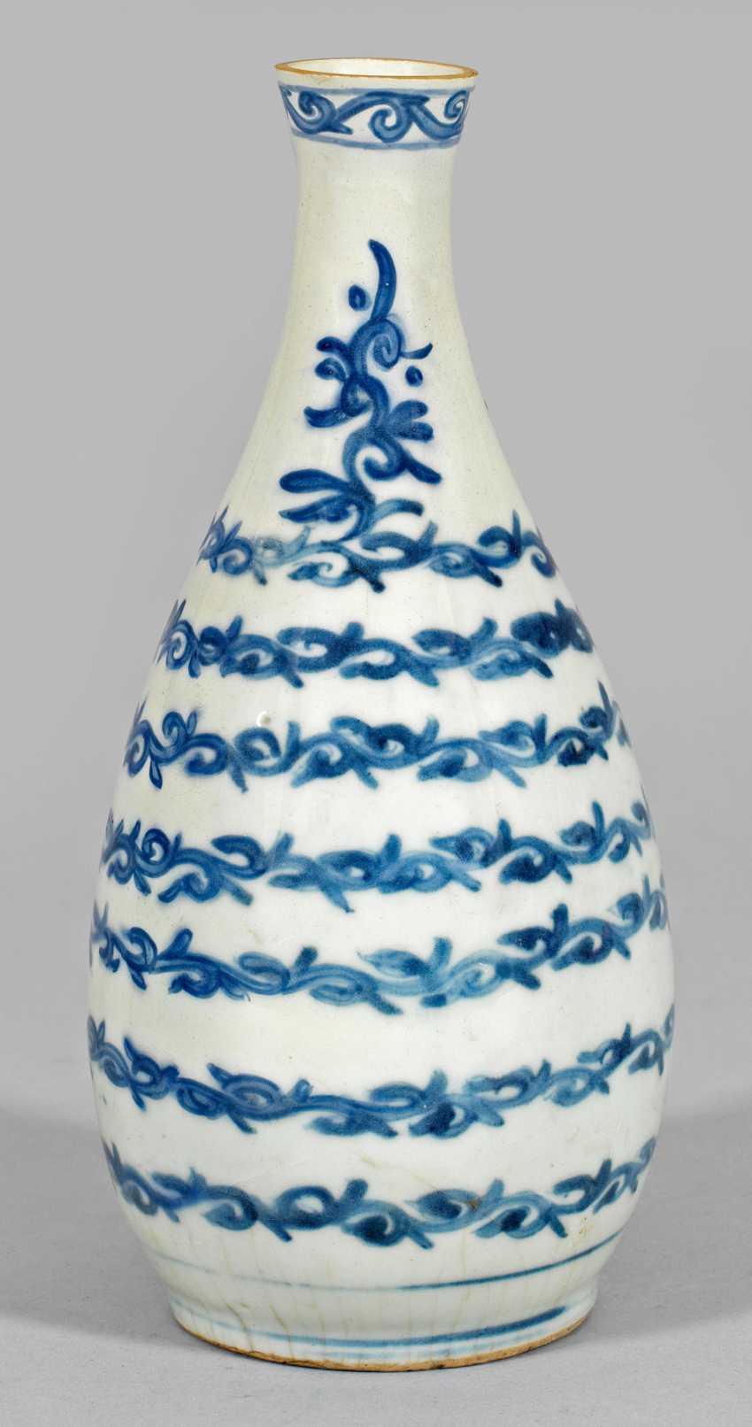 Blue And White Bottle Vase - photo 1