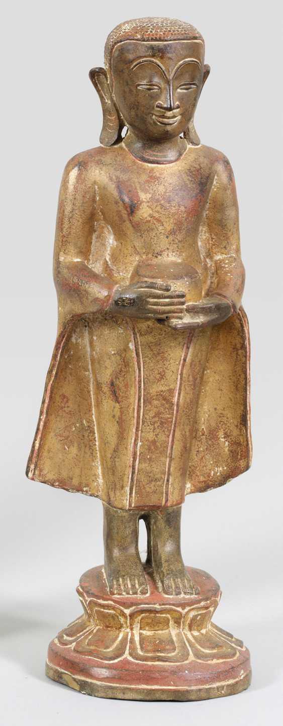 Statuette of a Mandelay-Buddha - photo 1