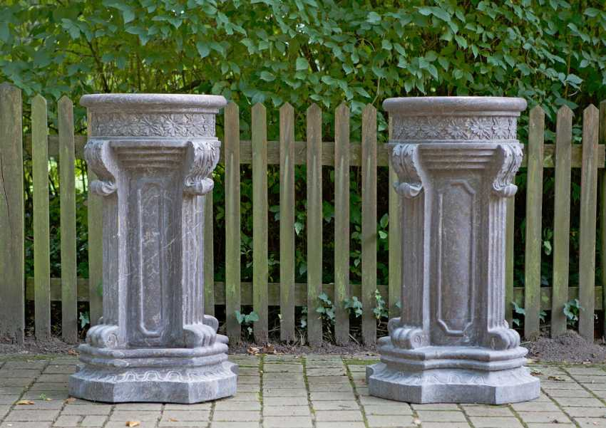Pair of large pedestal in the pedestal in the Louis XVI style - photo 1
