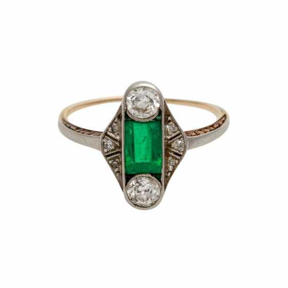 Art Deco ladies ring with 1 emerald and diamonds - photo 1