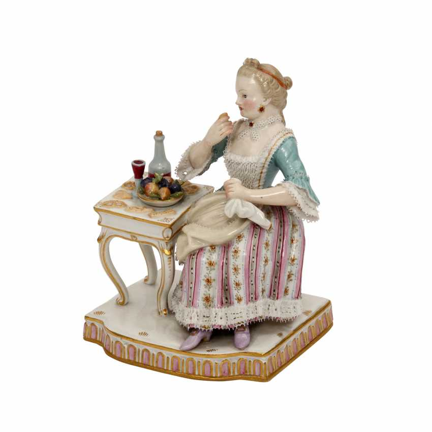 "MEISSEN ""the lady at the table"", an allegory of ""The taste"" from the series ""The 5 senses"", 1870-1924. - photo 1"