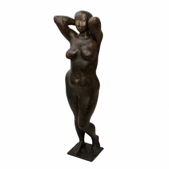 "NUSS, KARL ULRICH (born. In 1943, Stuttgart, sculptor in Strümpfelbach, Prof.), ""Female Nude"", Bronze ,1968, - photo 1"