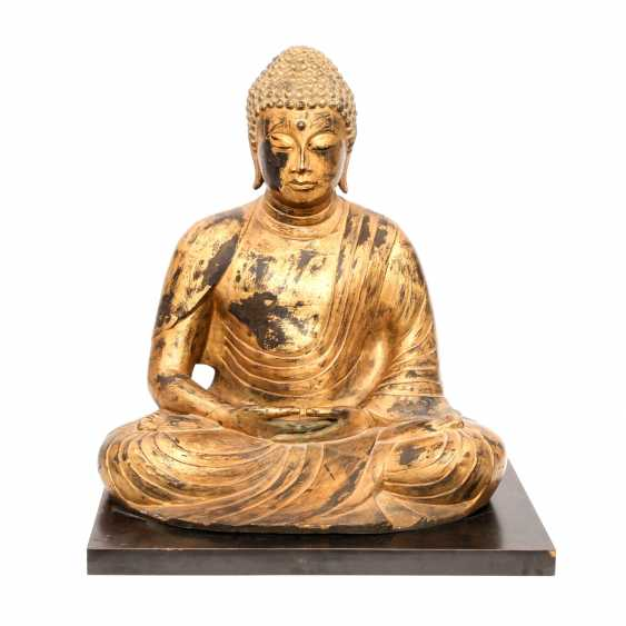 A decorative Buddha in a meditative position. South-East Asia, 20. Century - photo 1