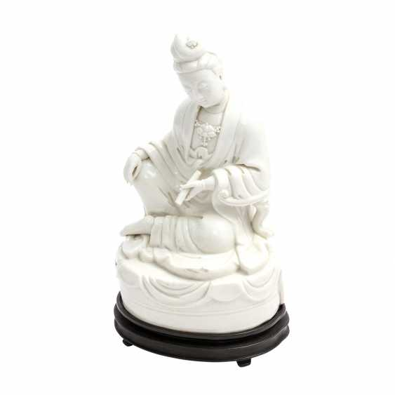 """Seat at the end of """"Blanc de Chine""""-Guanyin, 19th century. Century - photo 1"""